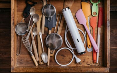 FOUR HANDY AND HELPFUL TECH GADGETS FOR THE KITCHEN