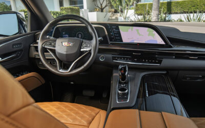 NEW 2021 CADILLAC ESCALADE: A BIG AND BRUTISH AMERICAN LUXURY SUV