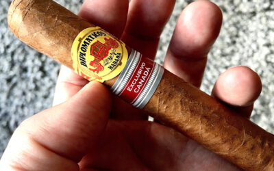 FIVE THINGS YOU WOULD NEVER SEE A CUBAN CIGAR CONNOISSEUR DOING