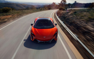 MCLAREN ARTURA: WHY A HYBRID SUPERCAR DOESN'T HAVE TO BE A COMPROMISE